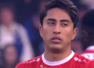 Omar Govea Royal Antwerp FC close
