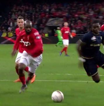 Dieumerci Mbokani Standard - Antwerp goal